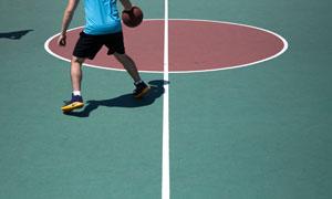 在运球的篮球运动人物摄影高清图片