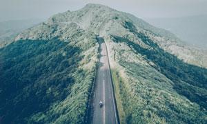 俯瞰视角盘山公路风光摄影高清图片