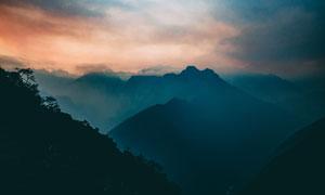 连绵重叠起伏山峦风光摄影高清图片