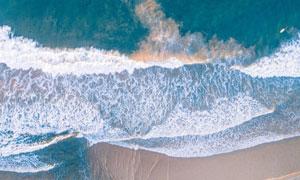 退潮时海边的波浪风光摄影高清图片