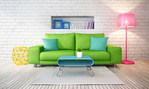 绿沙发与亮着的粉色落地灯高清图片