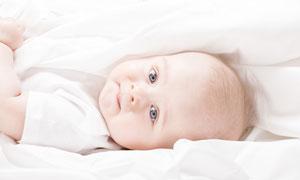 抿着嘴的宝宝人物写真摄影高清图片