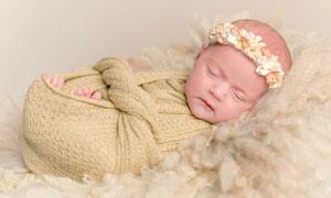 头戴着花环的宝宝人物摄影高清图片