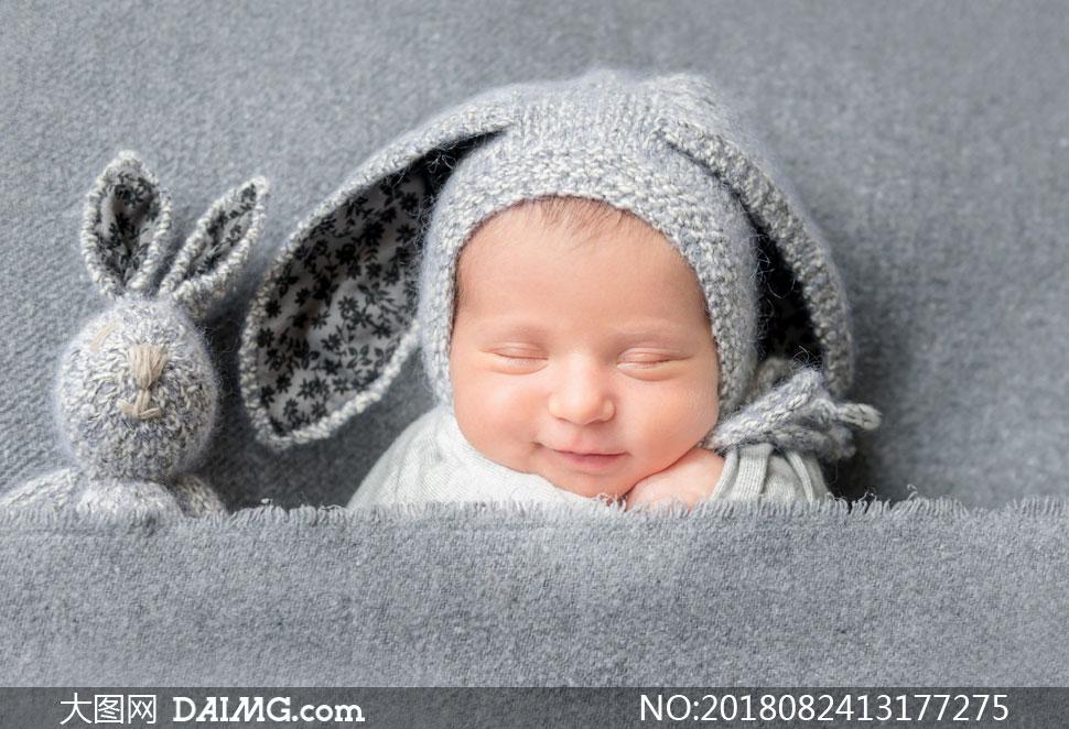在做着美梦的可爱宝宝摄影高清图片