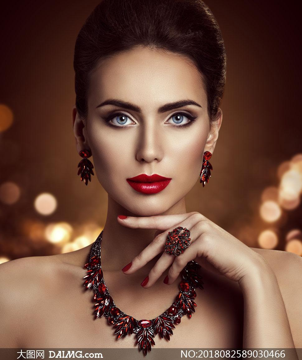 关 键 词: 高清摄影大图图片素材人物美女女人女性写真模特发型秀发