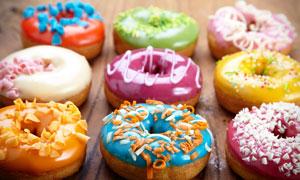 多彩美味的甜甜圈特写摄影高清图片