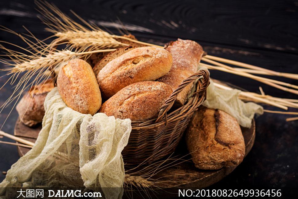 在篮子里的麦穗与面包摄影高清图片 - 大图网设计素材图片