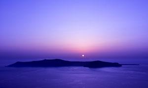 日出时的大海岛屿鸟瞰摄影高清图片