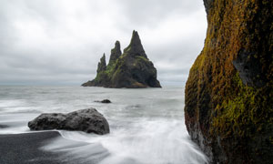 巨石与辽阔的大海风光摄影高清图片