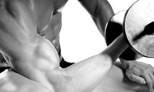 屈臂弯举力量训练人物特写高清图片