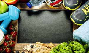哑铃运动鞋与膳食主题摄影高清图片