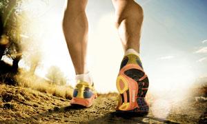 户外跑步运动人物局部特写高清图片