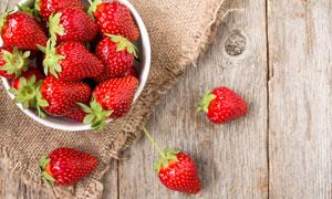 精心遴选后的品质草莓摄影高清图片