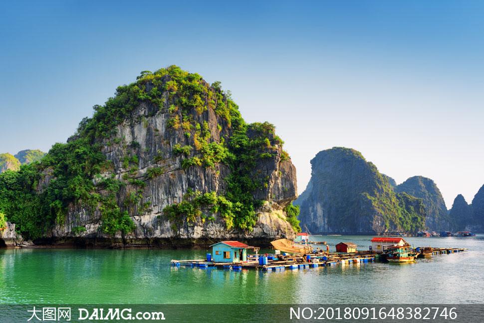 蓝天白云海景树丛风景摄影高清图片         下龙湾景区游览