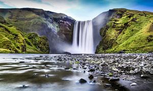 乱石滩涂与壮观的瀑布摄影高清图片