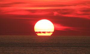 黄昏晚霞中的夕阳风景摄影高清图片