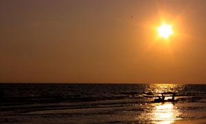 黄昏日落时分辽阔大海摄影高清图片