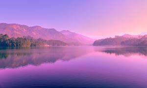 清晨静谧的湖泊美景摄影图片