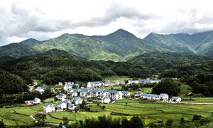 武功山山脚村庄摄影图片