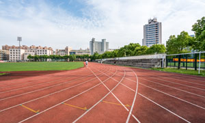 体育场红色跑道高清摄影图片