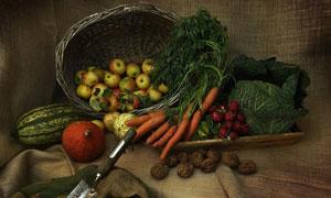 南瓜土豆与篮子里的苹果等高清图片