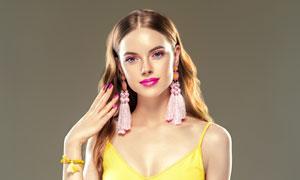 戴流苏耳饰的妆容美女人物高清图片