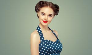 吊脖波点图案泳装美女摄影高清图片
