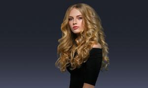 金发发型时尚服饰模特摄影高清图片