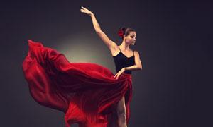 裙角飞扬的芭蕾舞美女摄影高清图片