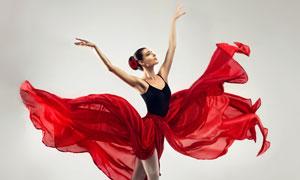 红色长裙芭蕾舞者人物摄影高清图片