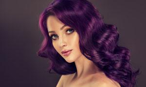 头发染成了紫色的美女摄影高清图片