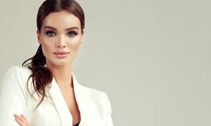 穿白色西装的美女人物摄影高清图片
