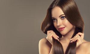 手抓着头发的美女美女摄影高清图片