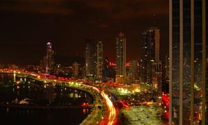 城市林立的建筑群夜景摄影高清图片