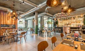 西餐厅的桌椅摆放效果摄影高清图片