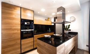 开放式的厨房灯光照明效果高清图片