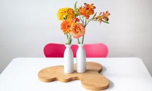 花瓶里的菊花百合花与玫瑰高清图片