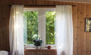 木屋窗台花卉植物特写摄影高清图片