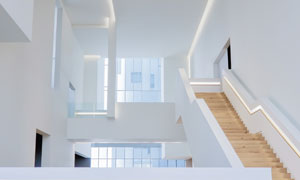 现代简约风格建筑内部摄影高清图片