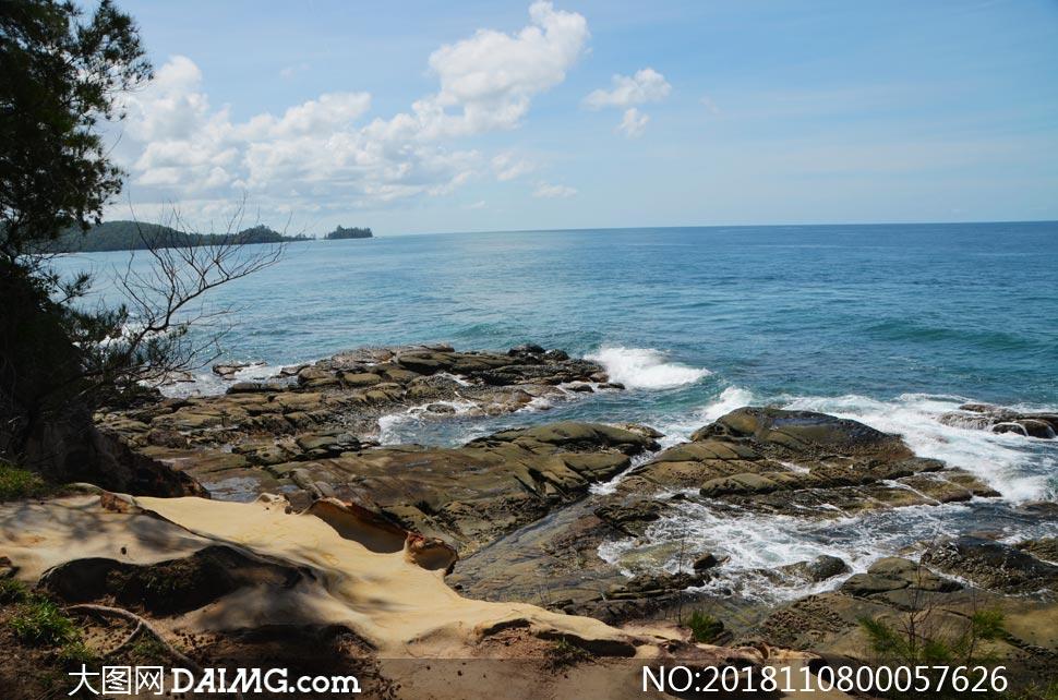 美丽的海边景观摄影图片素材下载 关 键 词: 海边大海海洋海浪浪花