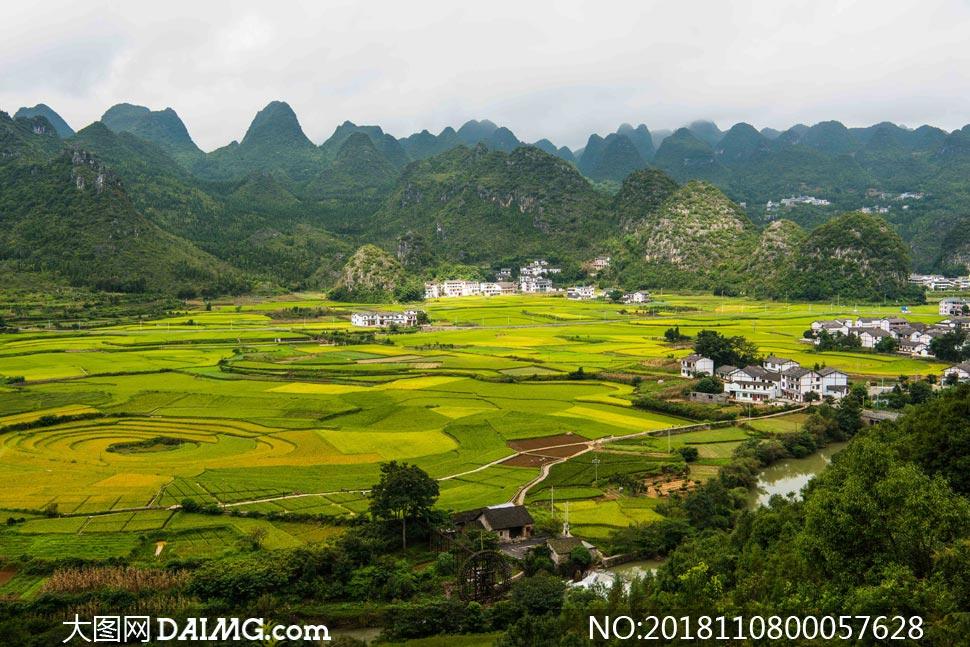 万峰林农田美景高清摄影图片