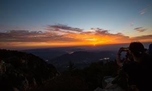 美丽的泰山日出景色摄影图片