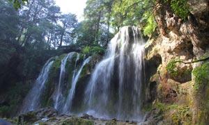 九寨沟瀑布美景高清摄影图片