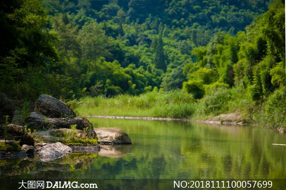 莲花湖水库美丽风光摄影图片