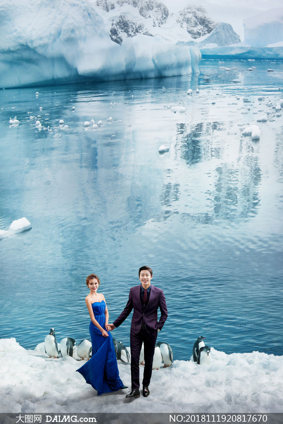 冰山与可爱的企鹅主题抠图背景模板