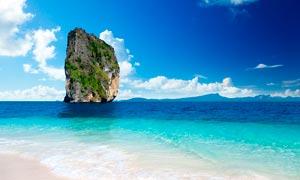 海边壮观的悬崖峭壁摄影图片