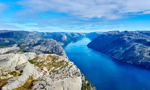 壮观的山川河流美景摄影图片