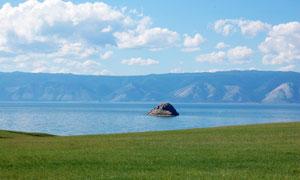 草地海天一色自然风光摄影高清图片