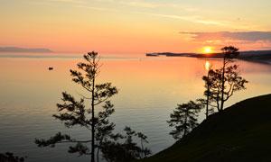 夕阳余晖下的大海风光摄影高清图片