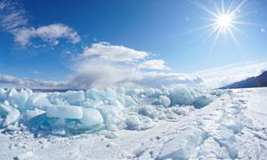 破冰海面自然风景逆光摄影高清图片